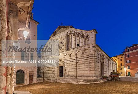 The Duomo (Insigne Collegiata Abbazia Mitrata di Sant'Andrea Apostolo), Carrara, Tuscany, Italy, Europe