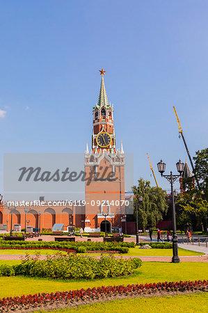 Spasskaya Tower in the Kremlin, UNESCO World Heritage Site, Moscow, Russia, Europe