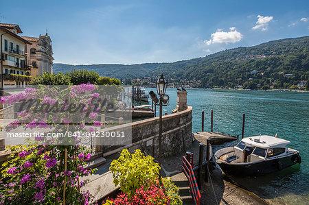 View of Isola dei Pescatori and Lake Maggiore, Borromean Islands, Lago Maggiore, Piedmont, Italian Lakes, Italy, Europe