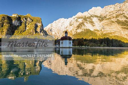 St. Bartholomew on Lake Koenigssee, Watzmann Mountain, Berchtesgadener Land, Berchtesgaden National Park, Upper Bavaria, Bavaria, Germany, Europe