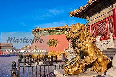 China, Beijing, Forbidden City, statue of Lion