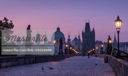 Charles Bridge, Prague, UNESCO World Heritage Site, Czech Republic, Europe