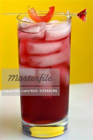 Woo Woo Cocktail in Highball glass