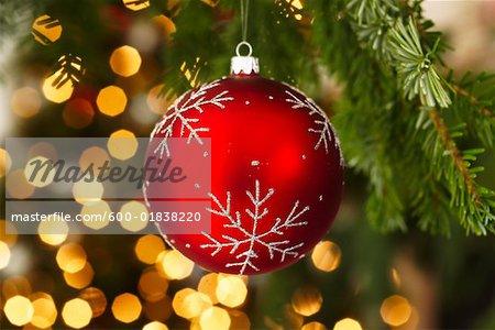 Artist Christmas Ornaments.600 01838220