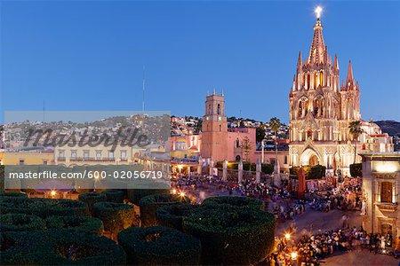 El Jardin Town Square and La Parroquia at Dusk, San Miguel de Allende, Guanajuato, Mexico