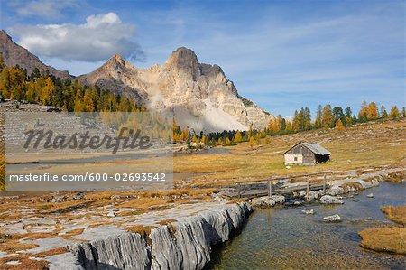 Hut, Eisengabel Peak, Furcia Dai Fers, Fanes Alps, Fanes-Senes-Braies Natural Park, South Tyrol, Italy