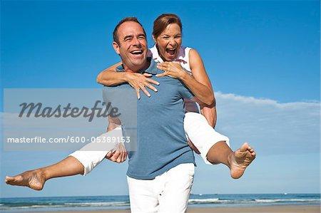 Couple on Beach, Camaret-sur-Mer, Finistere, Bretagne, France