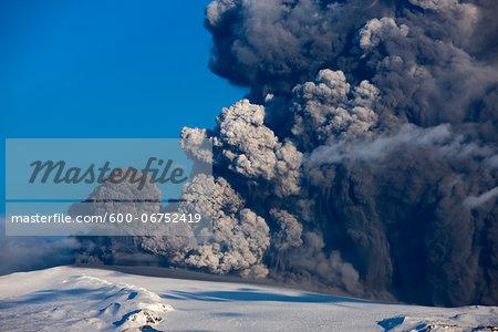 Eyjafjallajokull Volcano Erupting, Iceland