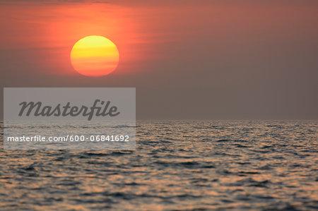 Sunrise, Zingst, Darss, Fischland-Darss, Baltic sea, Mecklenburg-Western Pomerania, Germany, Europe