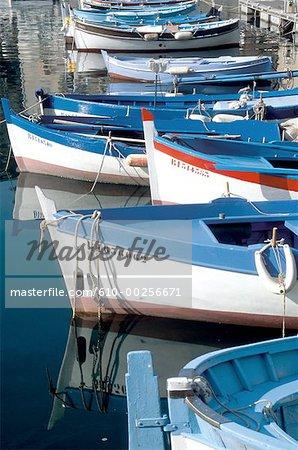 "France, Corsica, Bonifacio, ""pointus"" boats in harbour"