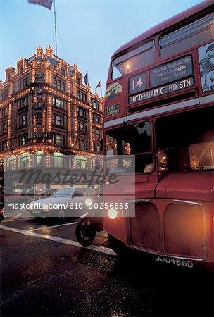 England, London, Double-decker in front of Harrod's