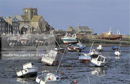 France, Manche (50), Basse Normandie, le port de Barfleur à marée basse