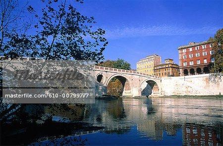 Italy, Rome, Ponte Sisto on the Tiber River