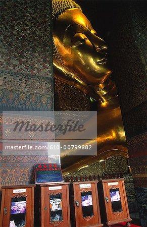 Thailand, Bangkok, Wat Po temple, lying buddha