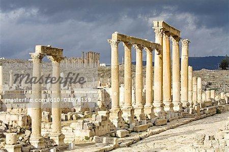 Jordan, Jerash, columnade