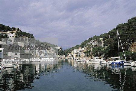 Spain, Balearic Islands, Majorca, Cala Llombards, harbour