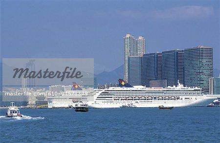 China, Hong Kong, Kowloon, liners quay