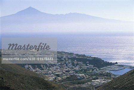 Spain, Canary Islands, La Gomera, San Sebastian de la Gomera and Tenerife in the distance