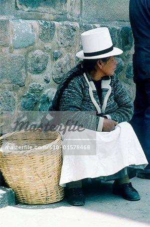 Peru, Cusco, Indian woman wearing traditional costume