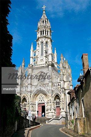 France, Centre, Chateauneuf sur Cher, basilica