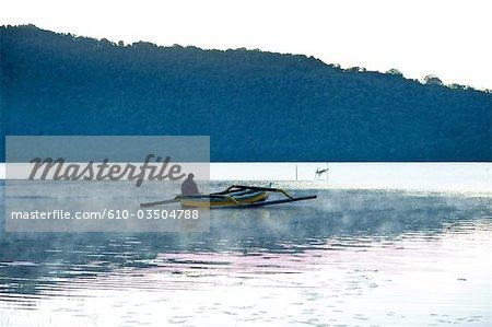 Indonesia, Bali, lake Bratan, fisherman