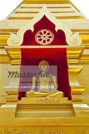 Thailand, Chiang Mai, Wat Phra Singh temple, golden Buddha