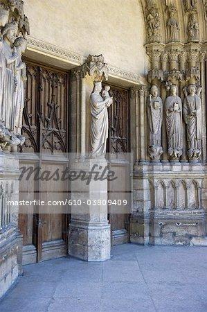 France, Paris, church of saint germain l'auxerrois, entrance