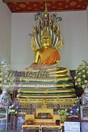 Thailand, Bangkok, Wat Pho, Buddha and offerings