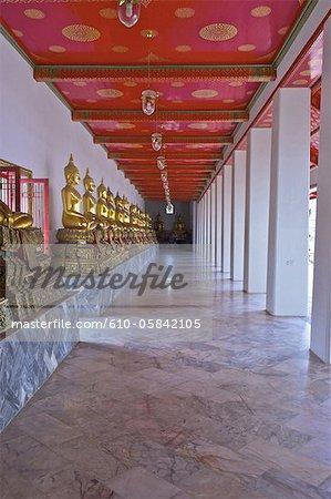 Thailand, Bangkok, Wat Pho, gallery of Buddha