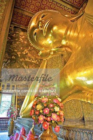 Thailand, Bangkok, Wat Pho, lying Buddha