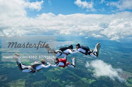 Skydivers in air