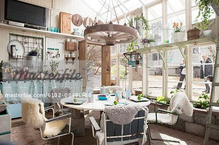 Decor in dining room