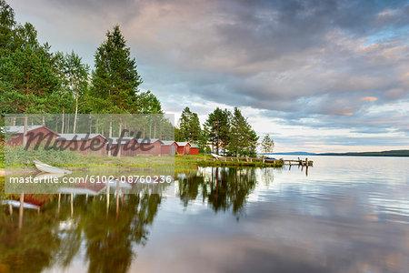 Fishing huts at the edge of lake