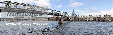 Thames, Millenium Bridge, St. Pauls, London