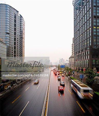 Traffic in Chaoyangmenwai Street