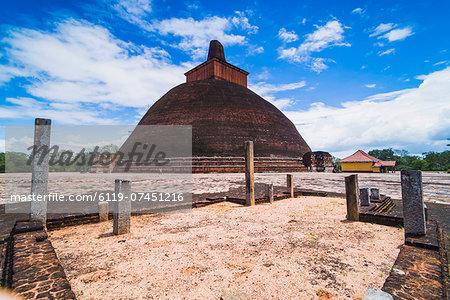 Jetvanarama Dagoba (Jetvanaramaya Stupa), Anuradhapura, UNESCO World Heritage Site, Sri Lanka, Asia