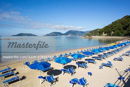Early morning beach, Lerici, Liguria, Italy, Europe