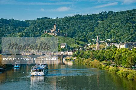 Cruise ship passes Cochem Castle, Cochem, Moselle Valley, Rhineland-Palatinate, Germany, Europe