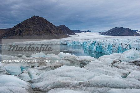 Huge glacier in Hornsund, Svalbard, Arctic, Norway, Scandinavia, Europe
