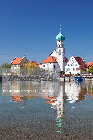 St.. Georg Church and Castle, Peninsula of Wasserburg, Lake Constance, Schwaben, Bavaria, Germany, Europe
