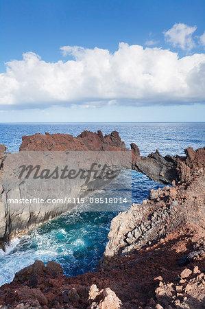 Rock arch, Arco de la Tosca at Punta de la Dehesa, lava coast, UNESCO biosphere reserve, El Hierro, Canary Islands, Spain, Atlantic, Europe