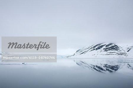 Glacier and reflection, Spitzbergen, Svalbard, Norway, Scandinavia, Europe