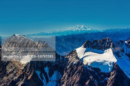 Flightseeing through peaks of Mt. Denali and the Alaskan mountain range, Alaska, United States of America, North America