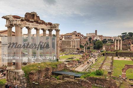 Roman Forum ruins, elevated view from Campidoglio, Historic Centre, Rome, UNESCO World Heritage Site, Lazio, Italy, Europe