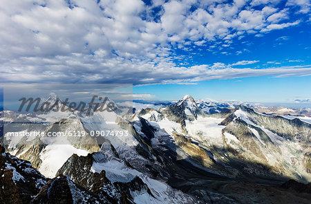 View of the Matterhorn from Zinalrothorn, 4221m, Zermatt, Valais, Swiss Alps, Switzerland, Europe