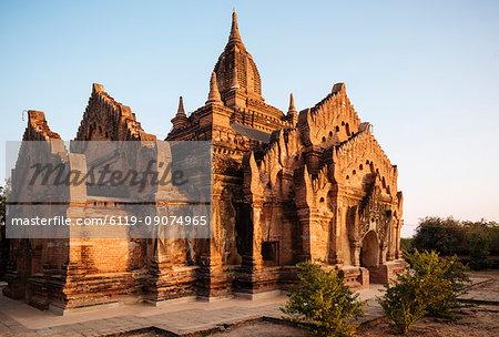 Deserted Temple at dusk, Bagan (Pagan), Mandalay Region, Myanmar (Burma), Asia