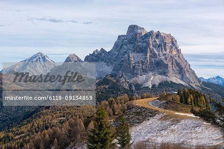 Pelmo and Antelao in autumn, Dolomites, Veneto, Italy, Europe