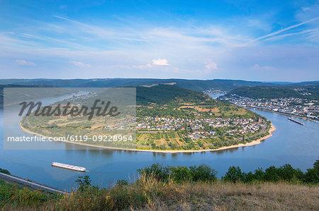View of bend in River Rhine, Boppard, Rhineland-Palatinate, Germany, Europe