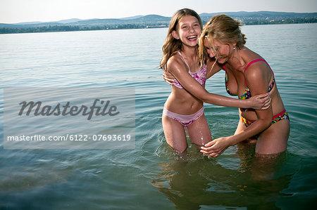 Young teen bikini models