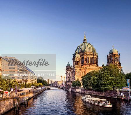 Germany, Berlin, Berliner Dom and Spree River